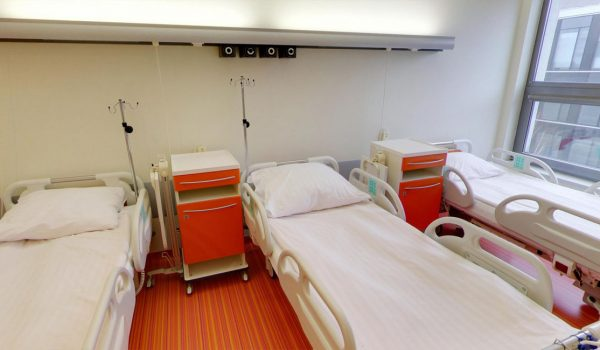 2 piętro – Kardiochirurgia – Pokój pobytowy (3osobowy)